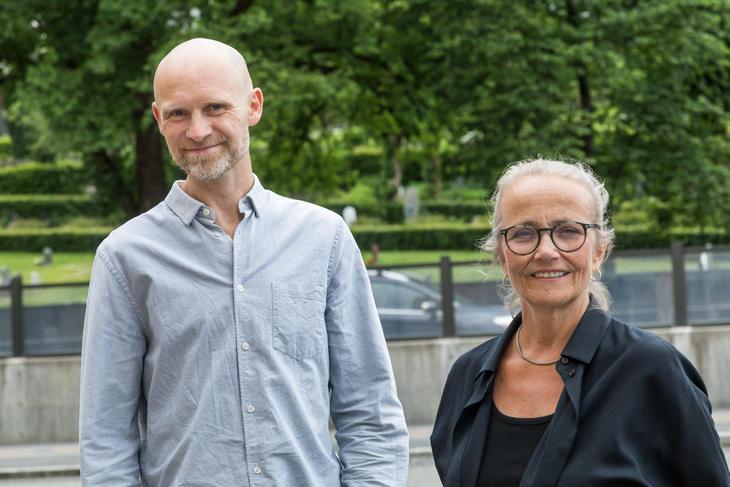 Psykologspesialist Thomas Haug og spesialrådgiver Else Kristin Utne Berg i KoRus Vest forteller at det har skjedd endringer i rusbruken etter at koronaen brøt ut, men først og fremst på grunn av restriksjonene og et redusert tjenestetilbud.