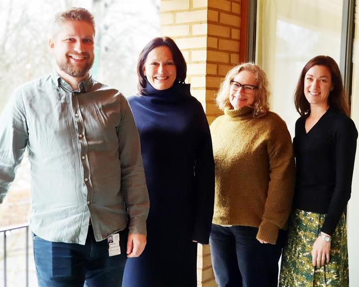 Prosjektleder Eline Borger Rognli til høyre. Med seg i prosjektet har hun også f.v. Erlend Aas, Ann-Kristin Selmer, som representerer jobbspesialistene og Torhild Støa Breidablikk, som representerer klinikerne. Foto: Dag Kristiansen, OUS