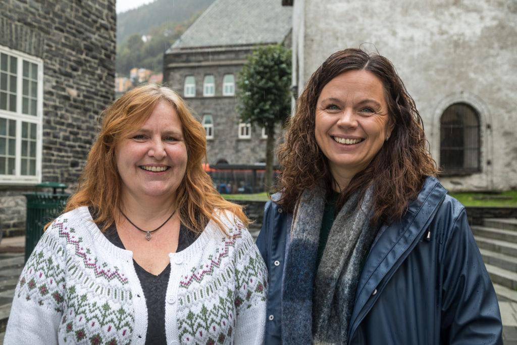 Stipendiat Kristine Berg Titlestad (t.h.) og erfaringskonsulent Sølvi Kaald